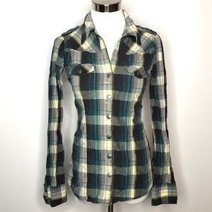 BKE Snap Front Top Size Small Plaid 2 Pockets